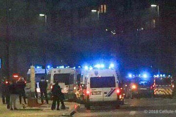 Dans la soirée du 15 mai, des CRS sont venus en renfort des policiers présents dans la journée pour les appuyer dans la sécurisation du quartier.