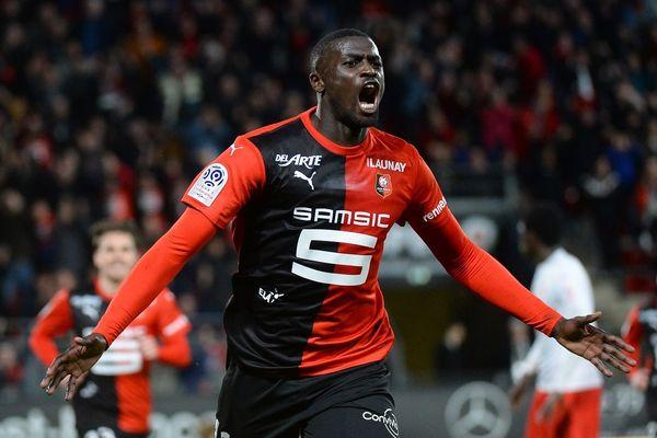 Mbaye Niang exulte après son but face à Nîmes