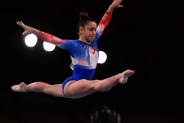 Carolann Héduit lors de la finale du concours général de gymnastique artistique aux JO de Tokyo.