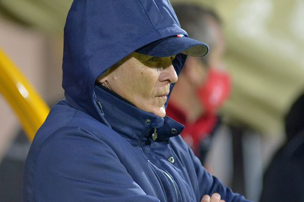 Patrice Garande a toutes les raisons d'être soucieux : l'entraîneur du TFC voit les chances d'une montée en Ligue 1 s'amenuiser.