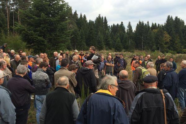 """Les exploitants forestiers privés du Puy-de-Dôme, se sont réunis à Saint-Alyre-d'Arlanc (63) pour échanger sur le thème : """"la forêt face aux tempêtes et aux vents violents""""."""