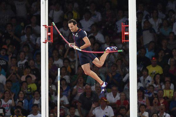 Lavillenie a échoué à 5.90 m.