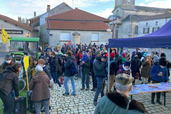 Samedi 23 octobre. Manifestation à l'occasion de la fin de l'enquête d'utilité publique sur le projet Cigéo d'enfouissement des déchets nucléaires à Bure.