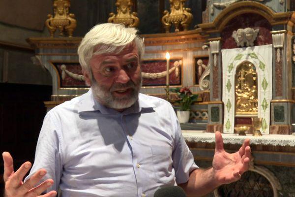 don Luigi, un prêtre au secours des migrants