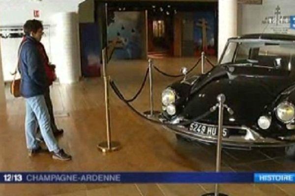 Le Général De Gaulle était à bord de cette voiture lors de l'attentat du Petit Clamart en 1962. Les Chinois vont pouvoir l'admirer dans le cadre d'une exposition itinérante.