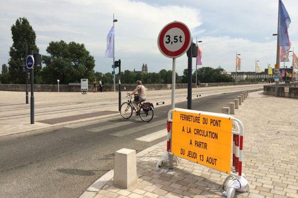 L'unique voie de circulation (Nord-Sud) laissera place à une voie cyclable bi-directionnelle