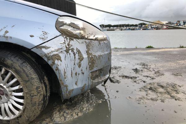 Une femme de 55 ans se trouvait dans le véhicule tombé dans le bassin de Saint-Nazaire.