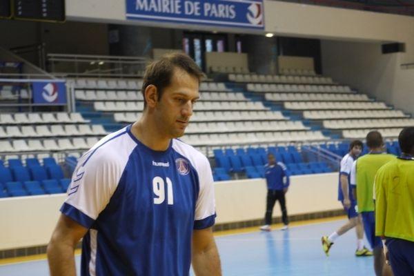 Mladen Bojinovic. Demi Centre. Un ancien de Montpellier.