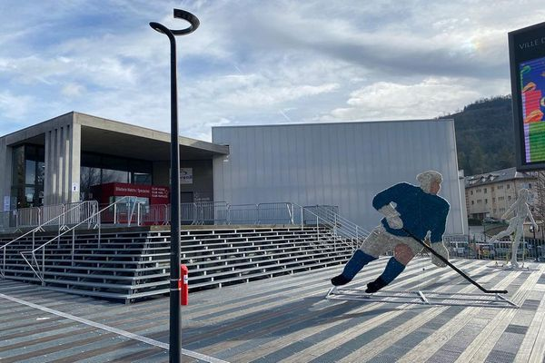 L'Alp Arena va accueillir une messe de Noël ce jeudi.