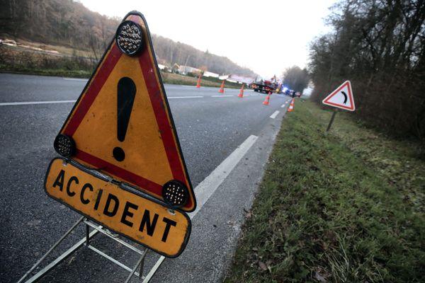 Illustration. L'accident s'est déroulé en milieu de matinée sur la D27 à hauteur d'Eysson.