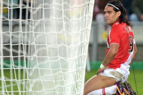 Absent lors de la victoire face à Rennes samedi dernier, Radamel Falcao semblait apte pour le déplacement de ce mardi à Nice... Mais l'entraîneur monégasque ne l'a pas sélectionné.