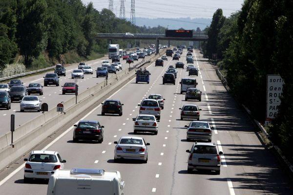 2 à 3 kilomètres de ralentissements étaient encore signalés une heure après l'accident qui a fait 3 blessés légers sur l'autoroute A7, peu après le péage de Vienne Reventin.