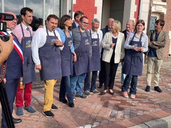 Photo de famille à l'occasion de l'inauguration de la maison de Vincent à Mers-les-Bains