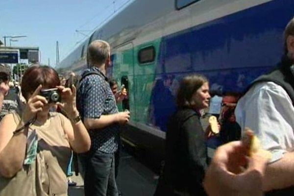 Il était 13h10 lorsque le TGV en provenance de Paris est arrivé en gare de Fribourg-en-Brisgau ce vendredi