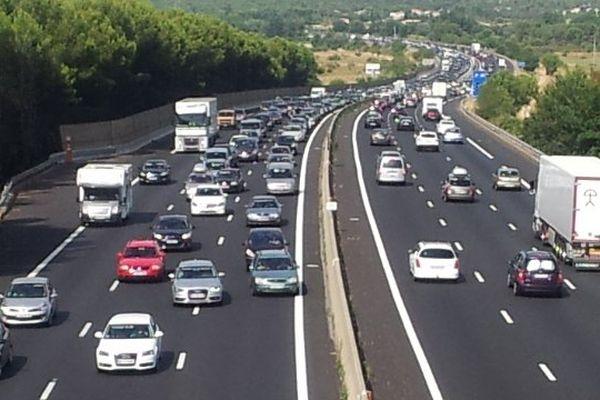 L'autoroute A9, bien chargée, samedi 3 aoùt 2013, près de Gallargues, dans le Gard