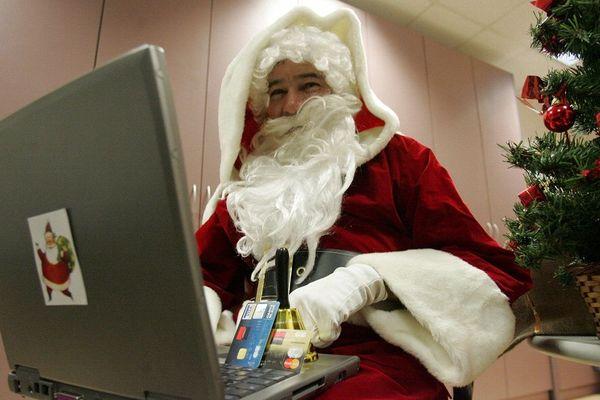 Effectuer ses achats de Noël en ligne : une tendance qui se confirme d'année en année