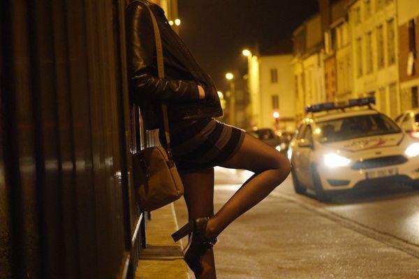 Sept personnes soupçonnées d'avoir pris part au réseau de prostitution ont été mises en examen (illustration).