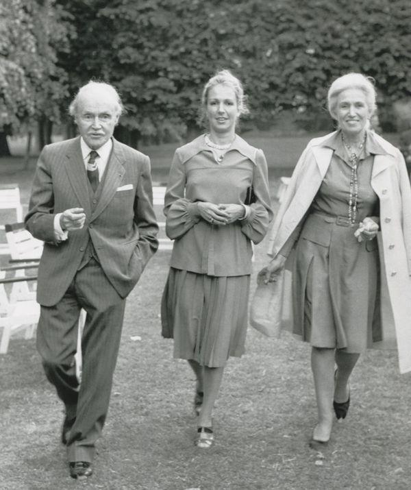 Maurice Genevoix, sa fille Sylvie et sa femme Suzanne en 1973.