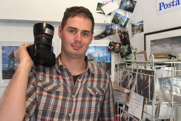 Felix de Malleray a troqué les photos people pour les photos de particuliers et est venu s'installer dans le parc du Livradois Forez, à Thiers.