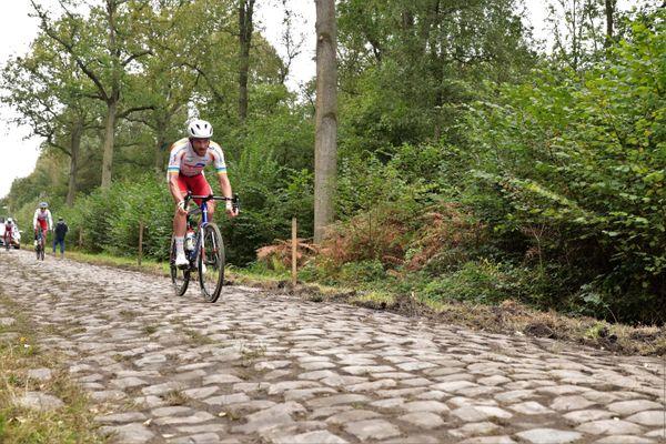 Adrien Petit lors de la reconnaissance, quelques jours avant la 118ème édition du Paris-Roubaix ce dimanche 3 octobre 2021.