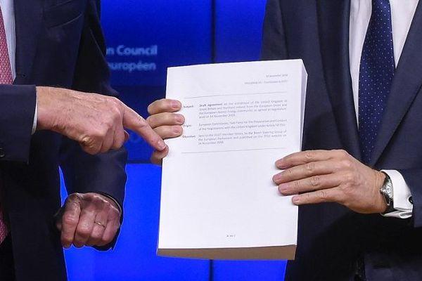 L'accord sur le Brexit de près de 600 pages.
