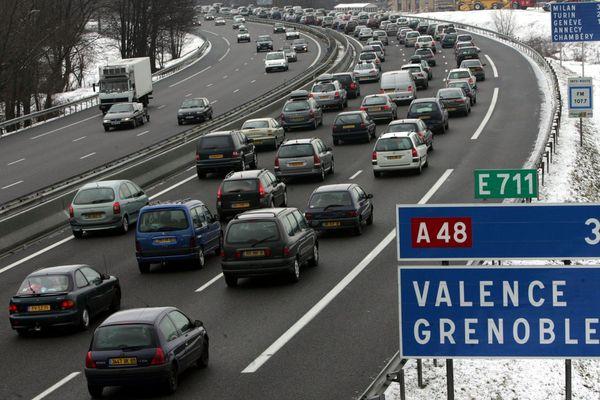 Des embouteillages sont attendus sur les routes des Alpes du nord à la veille des vacances de février. Photo d'archives.