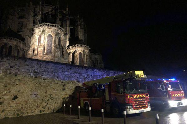 Un important dispositif de pompiers a été déployé jeudi 10 décembre à la cathédrale Saint-Julien du Mans pour une odeur de fumée suspecte