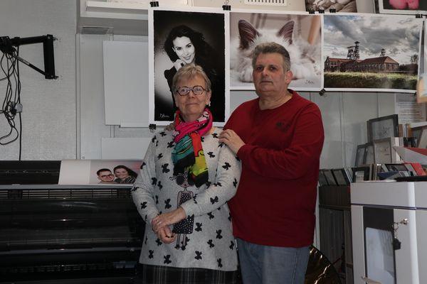 Le couple dans leur studio de photographies de Montigny-en-Gohelle