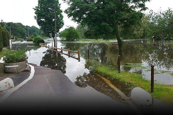 4 Juin 2016-16H00 : crue de la Seine aux Damps (Eure) en amont d'Elbeuf et de Rouen