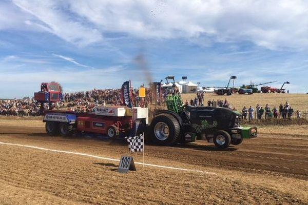 Tout le week-end, la foire agricole de Bailleul-le-Soc, dans l'Oise, a résonné au bruit des moteurs.