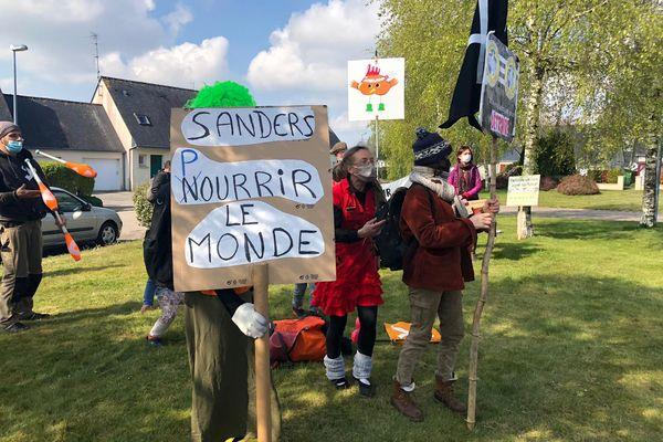 La mobilisation a été accompagnée de slogans pour la défense de la terre.