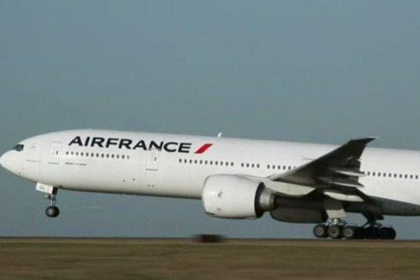 Des avions gros porteur comme ce boeing 747 vont pouvoir atterrir à l'aéroport d'Aulnat en 2016