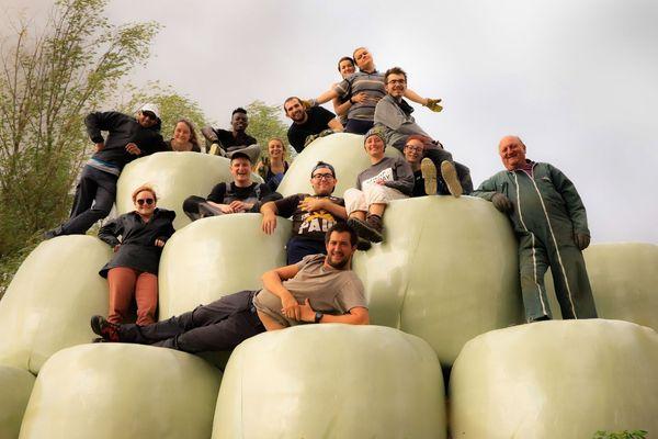 Les jeunes bénévoles et les animateurs rassemblés lors d'un précédent chantier écologique