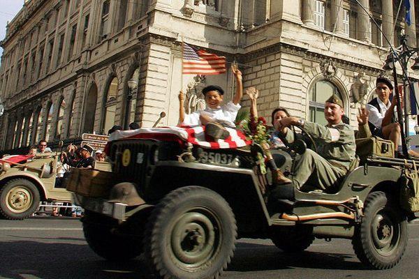Reconstitution de l'arrivée des Américains à la Libération.