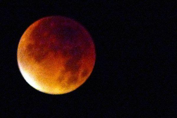 La sueper-lune de sang dans le ciel caennais ce lundi matin à 4 h 57