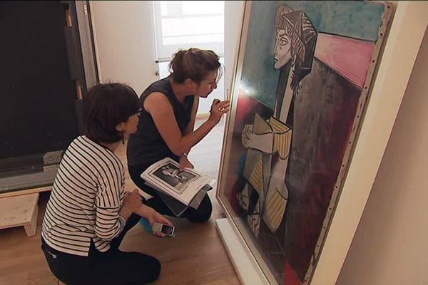 Les œuvres de Picasso étaient déballées et installées minutieusement au musée Rigaud de Perpignan - 14 juin 2017