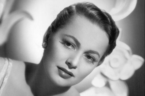 L'actrice s'est éteinte à Paris à 104 ans. Elle s'était battue contre les studios d'Hollywood dans les années 40-50. En 1965, elle préside le jury du Festival de Cannes.
