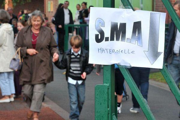 Depuis août 2008, les écoles sont obligées de fournir un service minimum d'accueil.