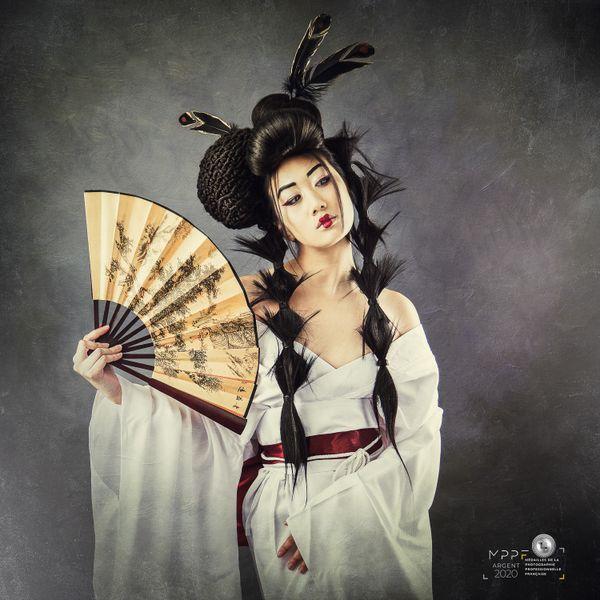 """Médaille d'argent dans la catégorie mode, Damien Molina a voulu représenter une """"geisha""""."""