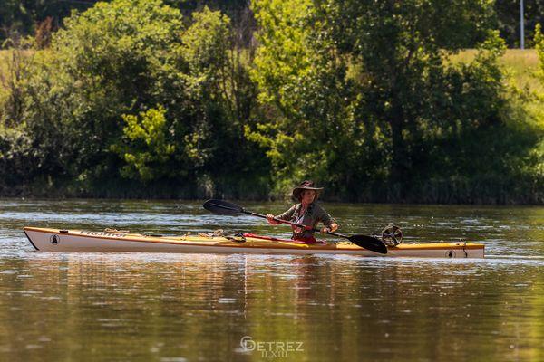 Anaëlle Marot descend la Loire en kayac pour sensibiliser au fléau des déchets plastiques