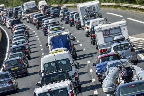 Attention aux départs en vacances sur les routes, Bison Futé classe le week-end orange en Pays de la Loire