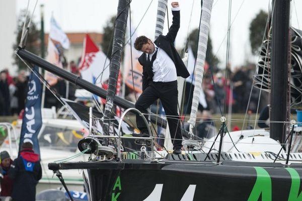 Arnaud Boissières à son arrivée du Vendée Globe 2012-2013