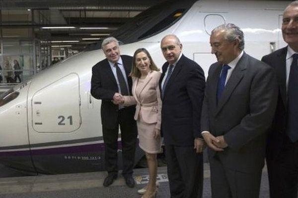 Le ministre des Transports, Frédéric Cuvillier, présent à Barcelone dimanche 15 décembre pour inaugurer  des liaisons directes en TGV entre la France et l'Espagne