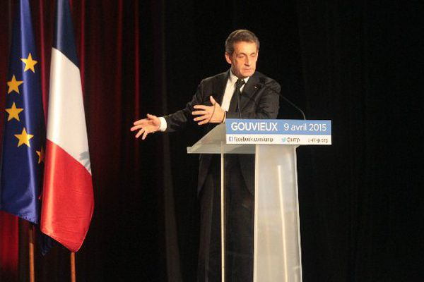 Discours de Nicolas Sarkozy à Gouvieux (Oise) le 9 avril.