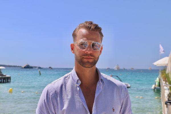 Monsieur Lifestyle, influenceur luxe pour la ville de Cannes.