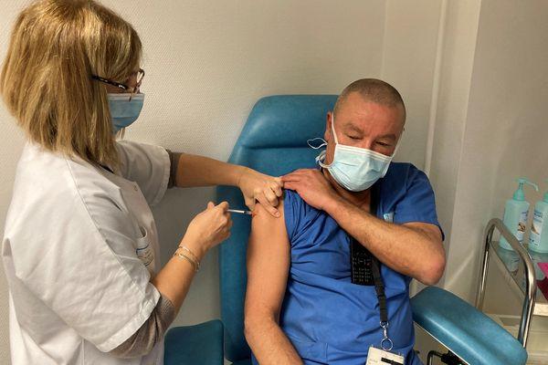 France Assos santé réclame de la transparence au niveau de la communication qui entoure la vaccination contre la Covid 19