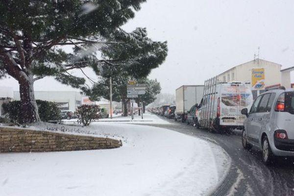 Les averses de neige ont rendu la circulation difficile sur les routes de Charente-Maritime.