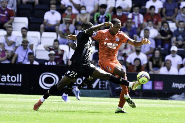 Angers s'est imposé 3 à 0 face à l'Olympique Lyonnais lors de cette deuxième journée de Ligue 1.
