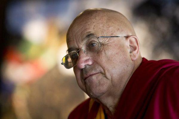 Moine bouddhiste et interprète français du Dalaï Lama, Matthieu Ricard est également écrivain et photographe.