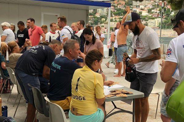 130 athlètes, 79 hommes et 52 femmes sont engagés dans ce mondial d'apnée AIDA. Ce vendredi, les inscriptions définitives avaient lei à Villefranche-sur-Mer.